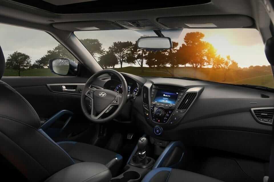 Hyundai_Veloster_Turbo_02