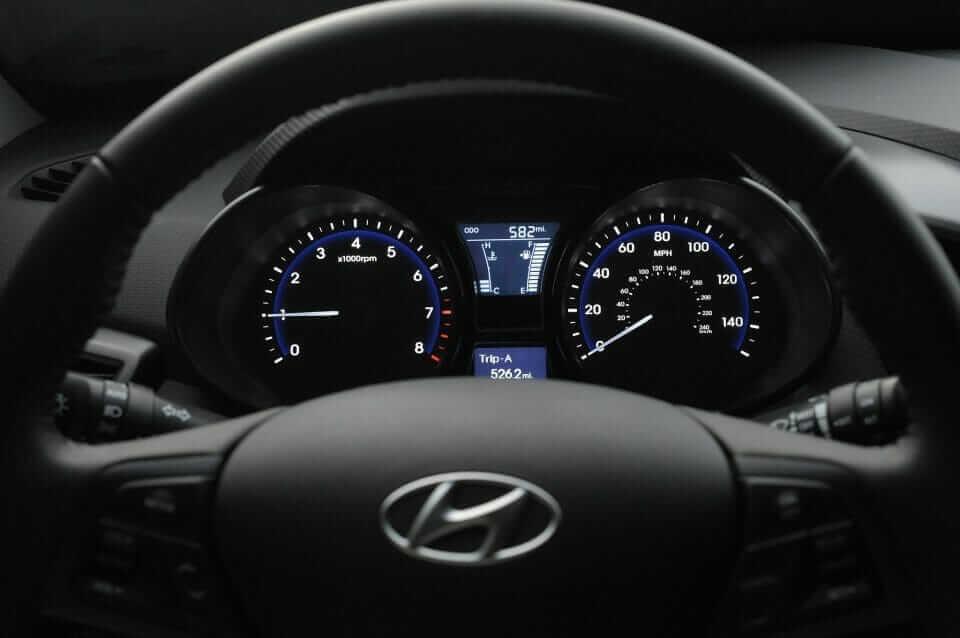 Hyundai_Veloster_Turbo_09