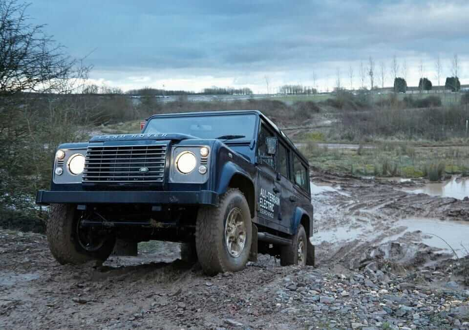 Land_Rover-Defender_Electric_Concept_2013_02