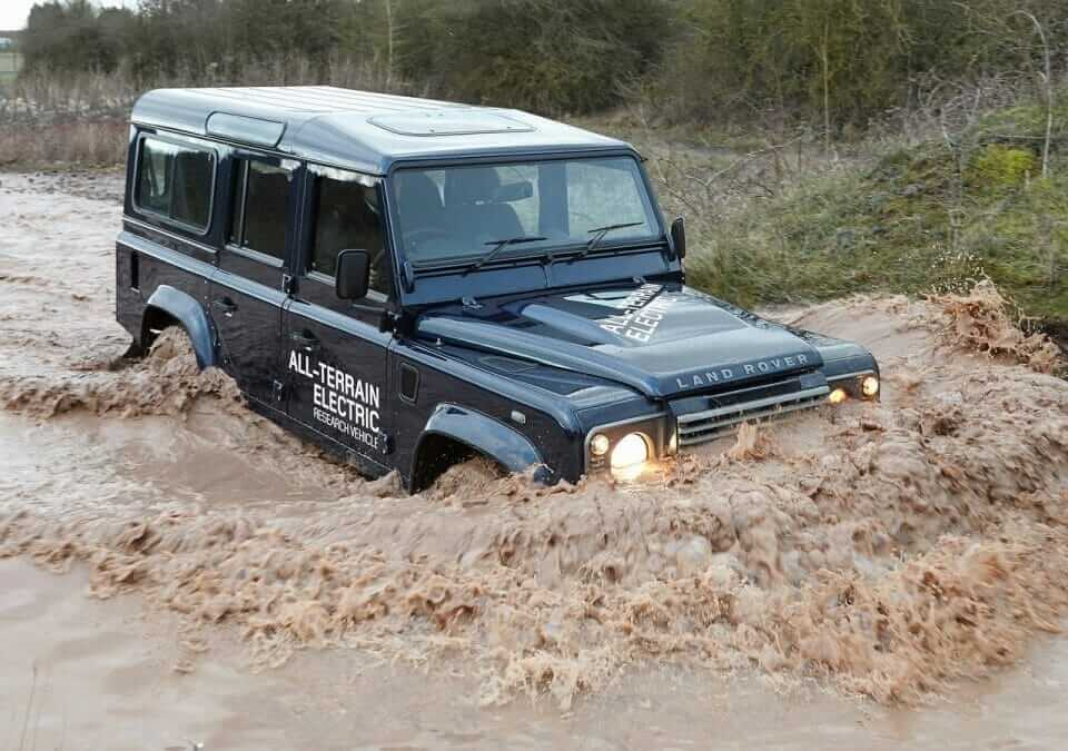 Land_Rover-Defender_Electric_Concept_2013_03