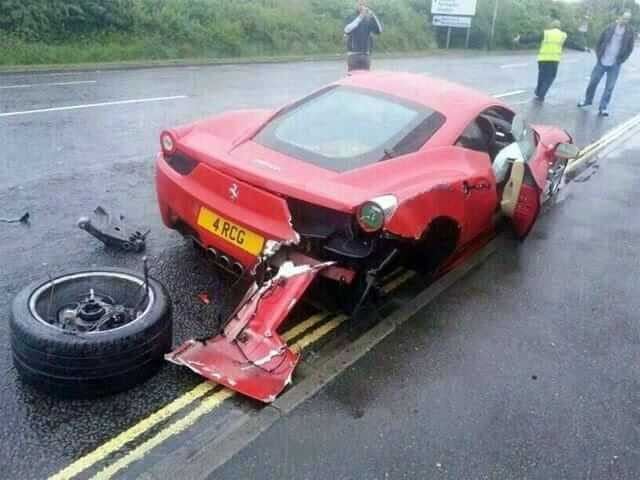 Ferrari458_crash03