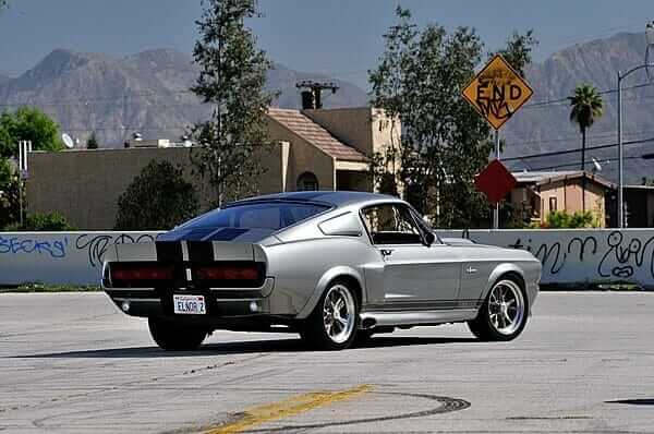 Ford_Mustang_01