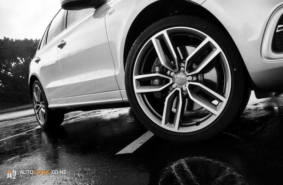 Audi_SQ5-6