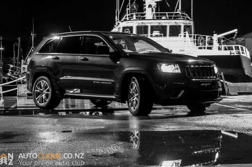 Jeep_Grand_Cherokee_SRT8-1