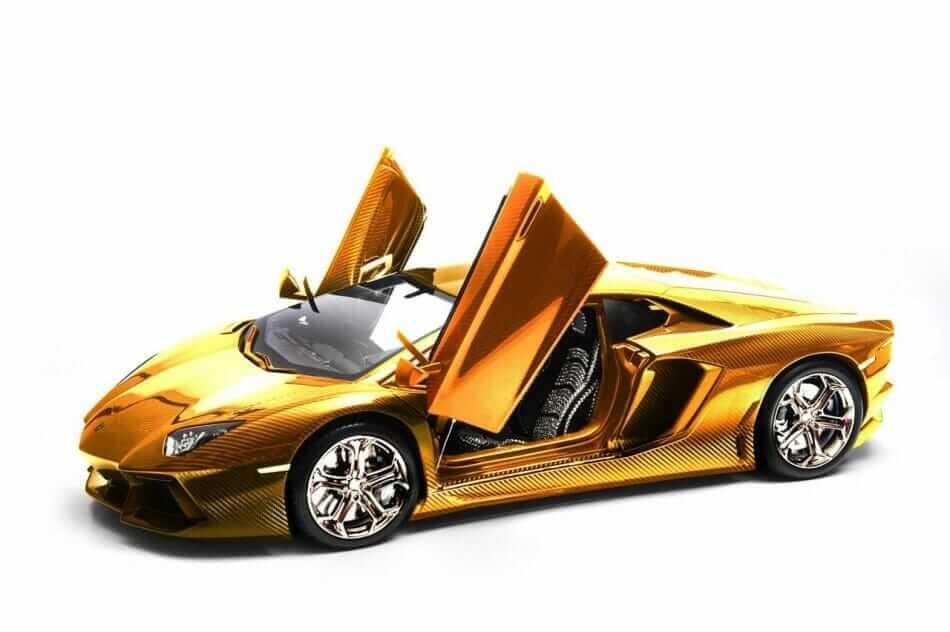 gold-lamborghini-aventador-01