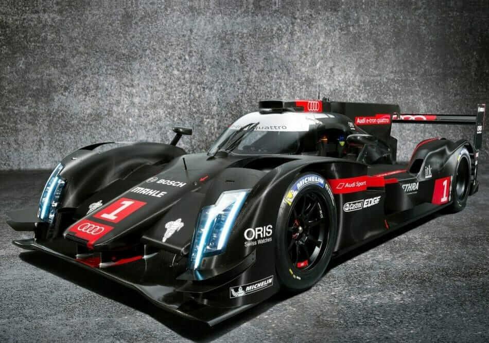 Audi-R18_e-tron_quattro_LMP1_Racecar_02
