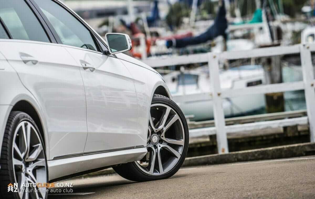MercedesBenz-E250-10