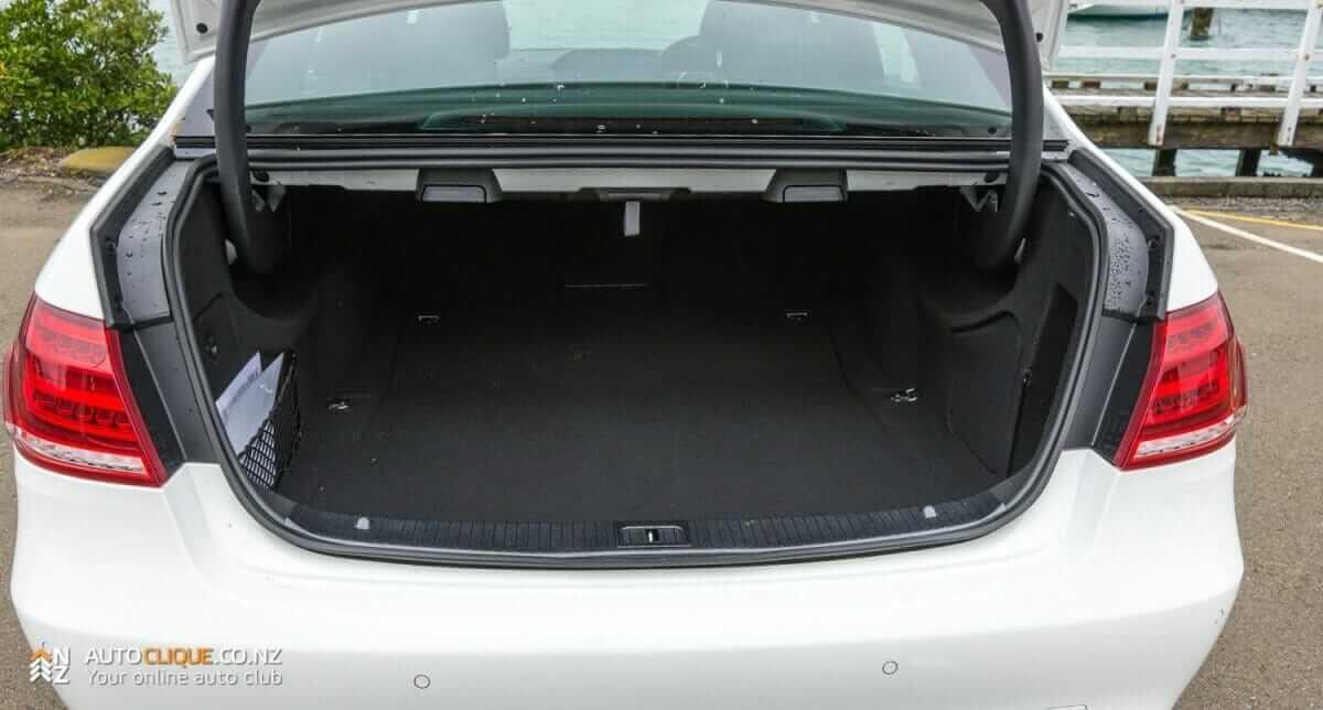 MercedesBenz-E250-13
