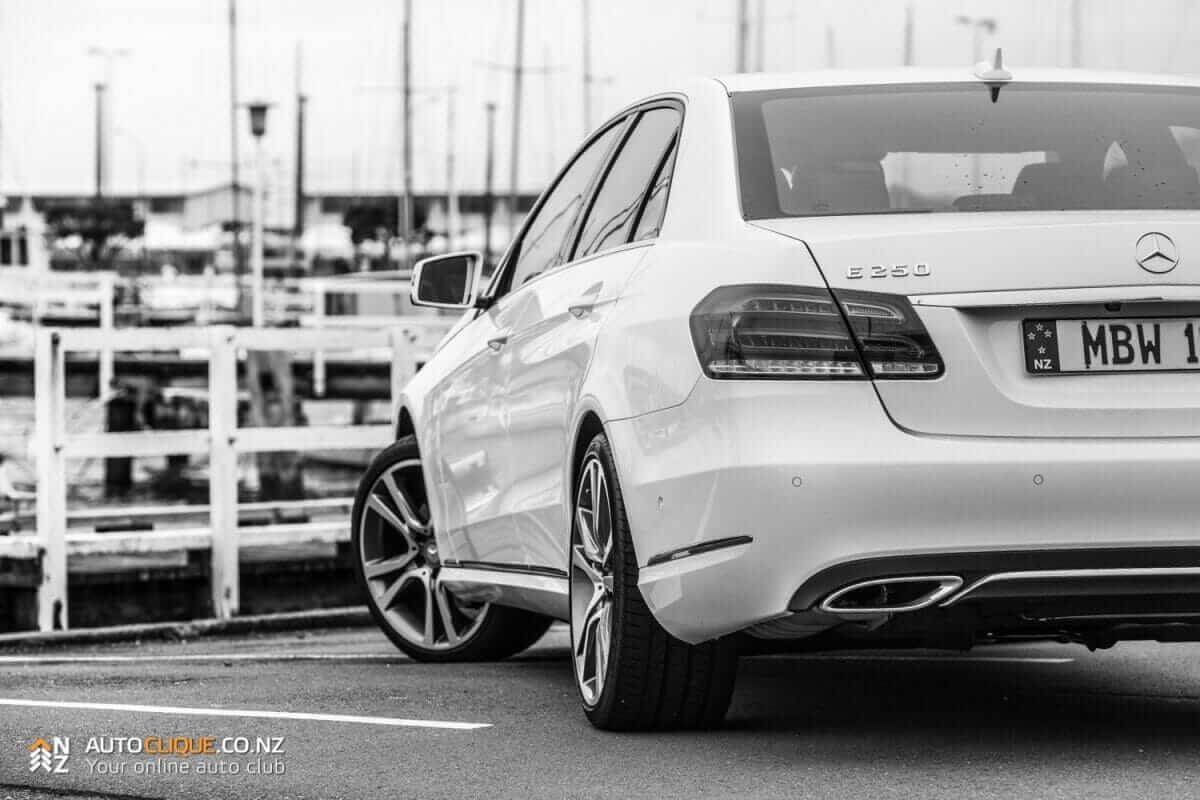 MercedesBenz-E250-9