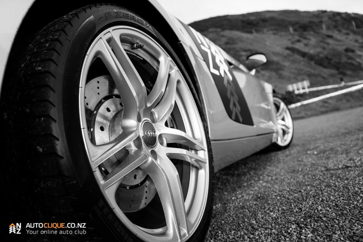 Audi_R8-18