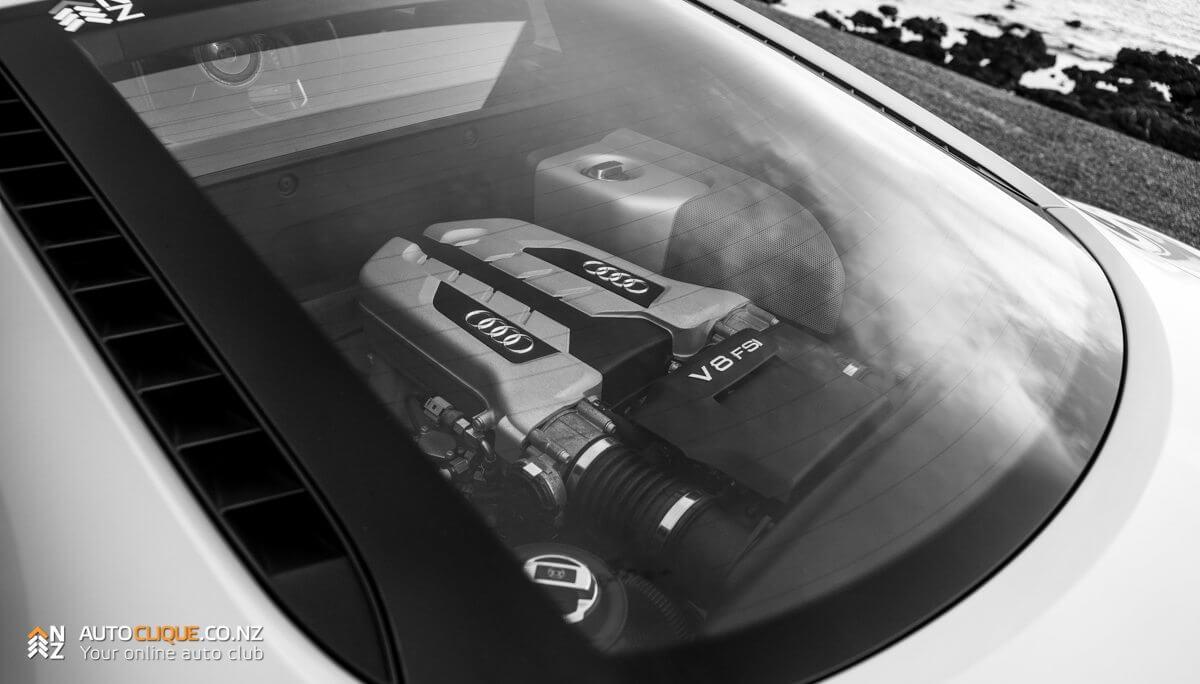 Audi_R8-9
