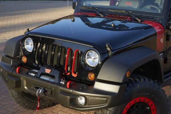 Jeep-Wrangler-Level-Red-Concept-front-grille