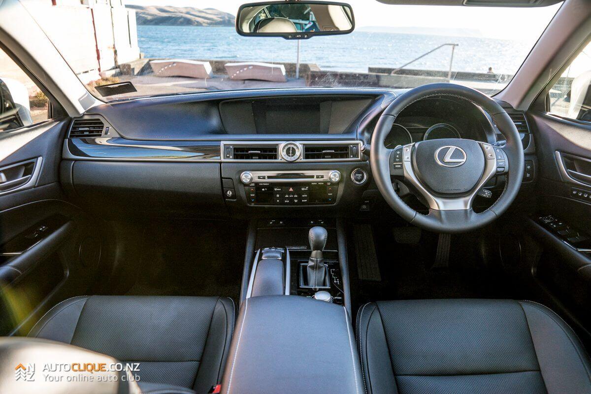 Lexus-GS-300H-21