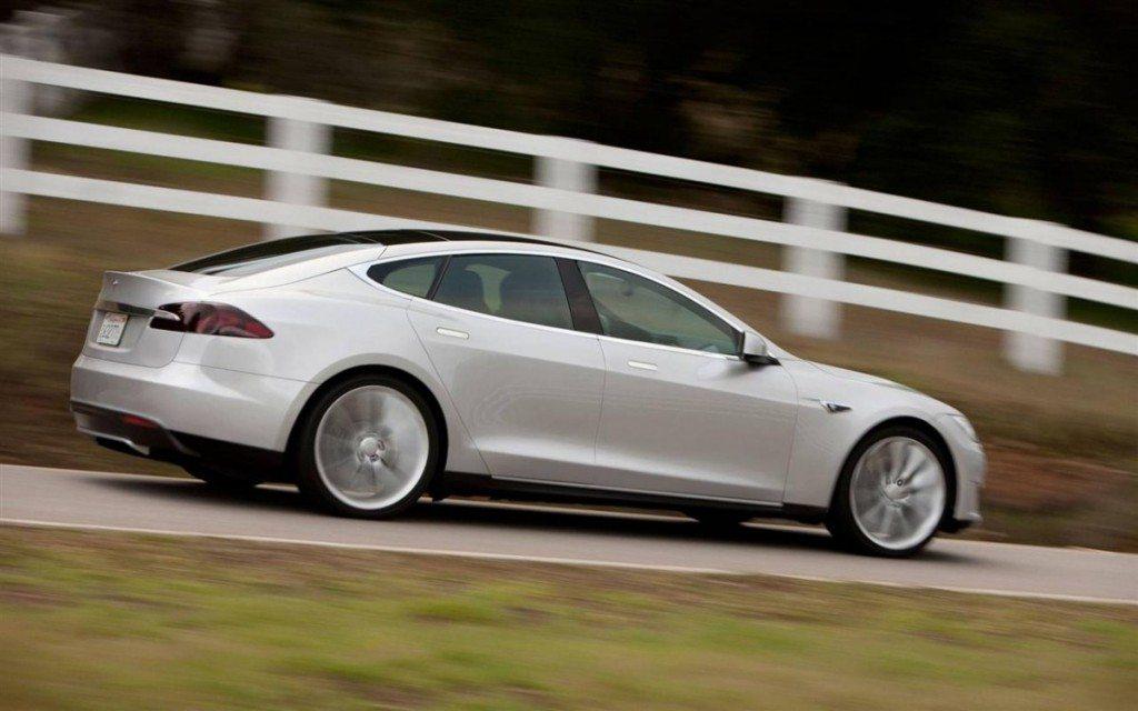2013-Tesla-Model-S_Sedan-Image-03-1280