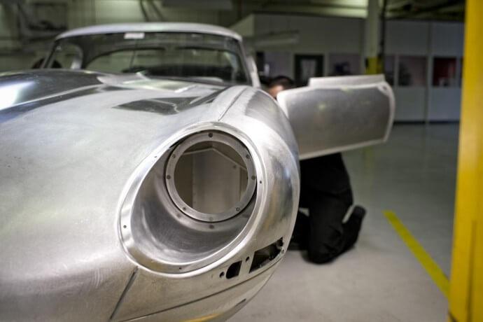 Jaguar-lightweight-E-type-2-690x460