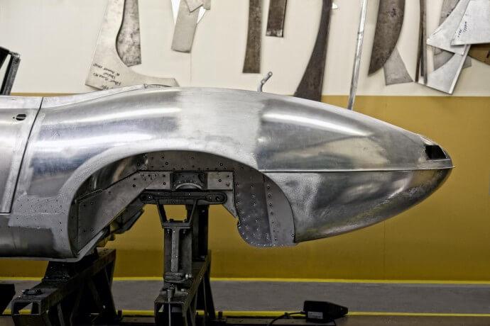 Jaguar-lightweight-E-type-3-690x460