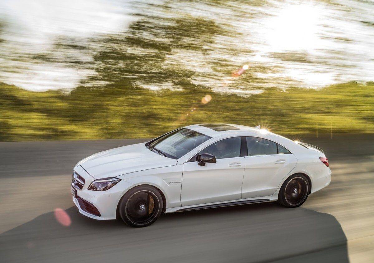 Mercedes-Benz-CLS-Class-2015-11