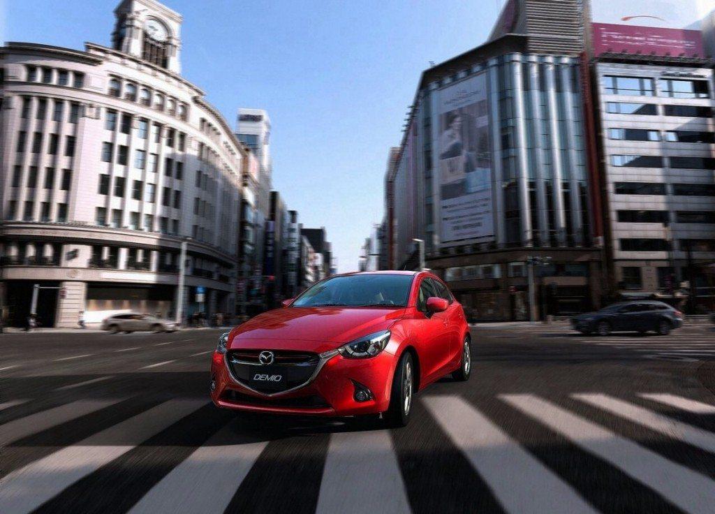 2015-Mazda2-3