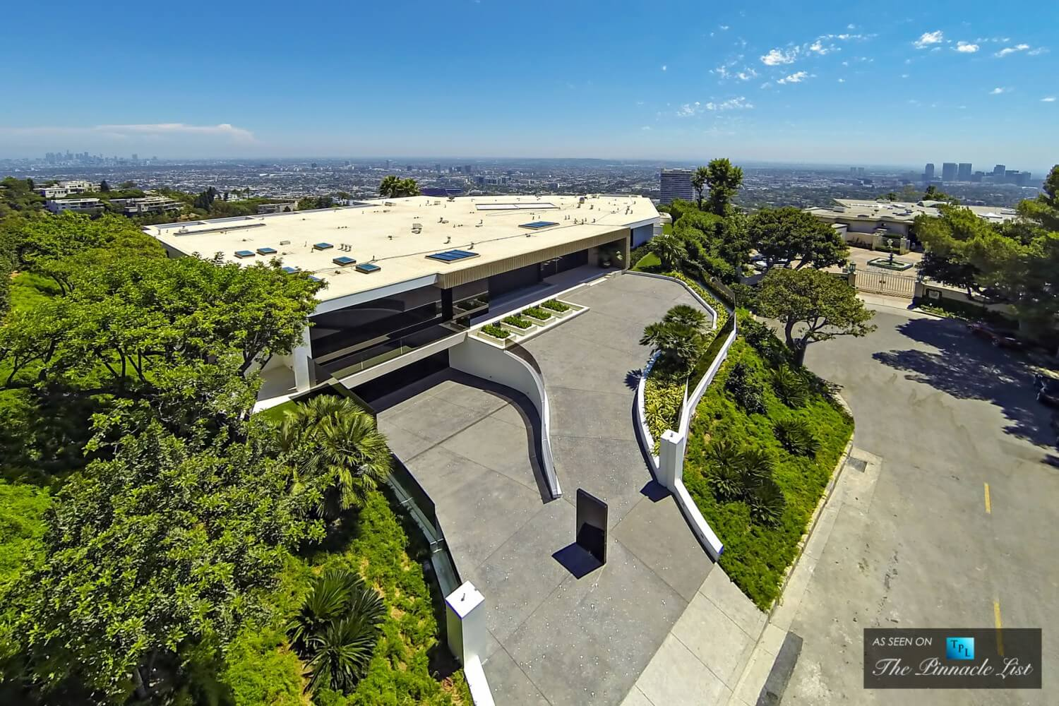 002-85-Million-Luxury-Residence-1181-North-Hillcrest-Beverly-Hills-CA
