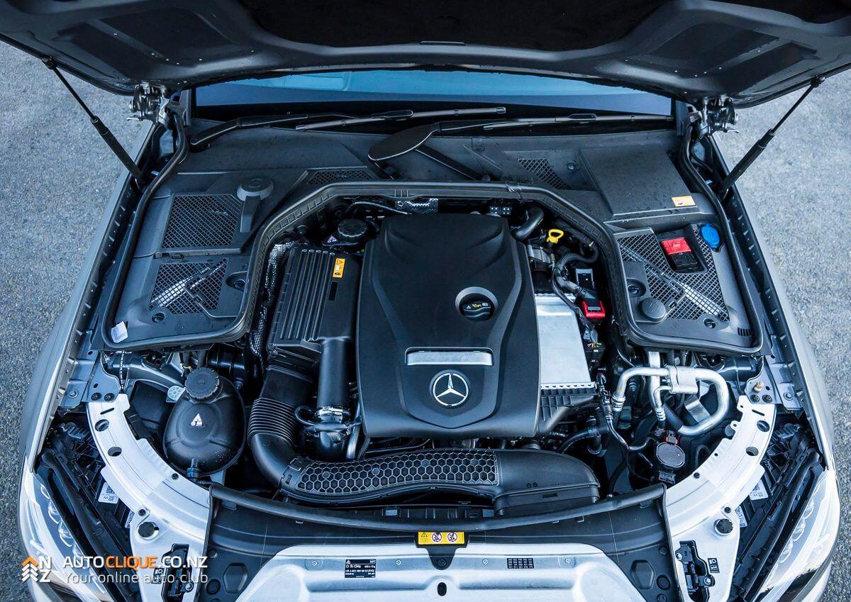Mercedes-Benz-C200-13