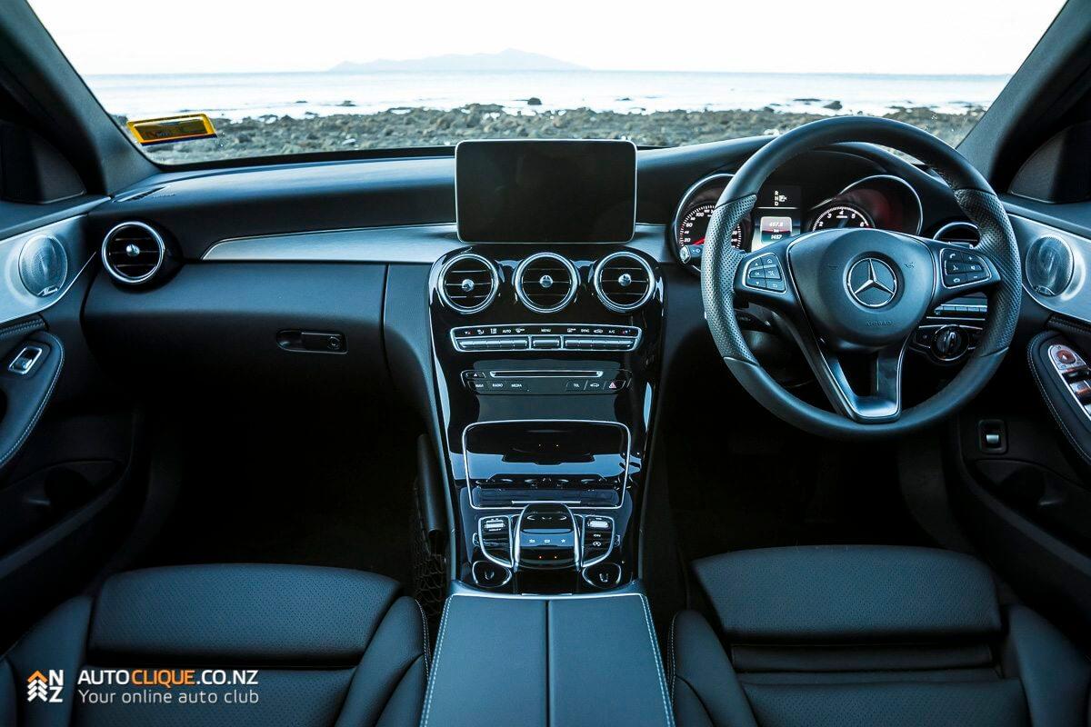 Mercedes-Benz-C200-7