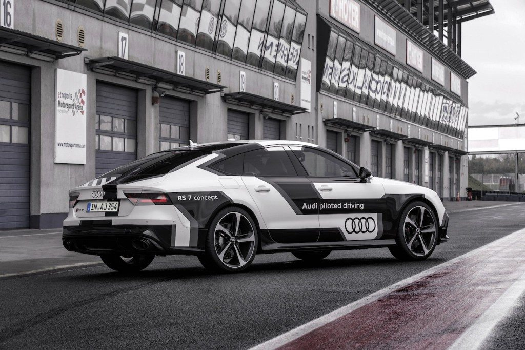 auto piloted audi rs7