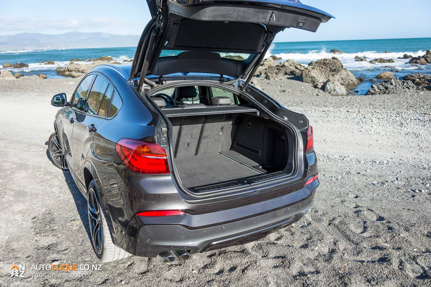 BMW-X4-35d-RaodTested-Review-9