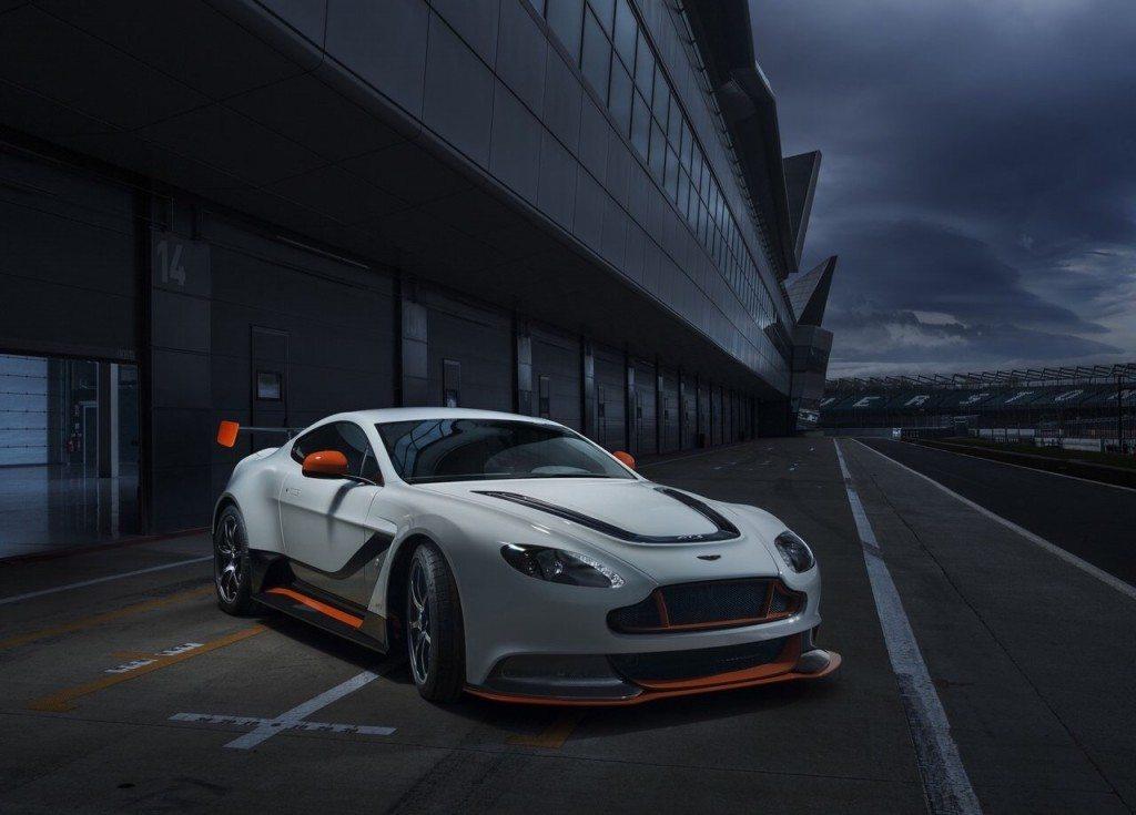 Aston-martin-vantage-gt3-1