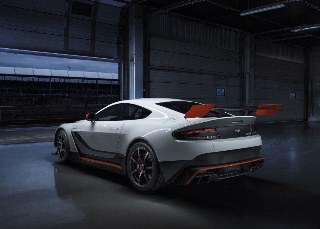 Aston-martin-vantage-gt3-3