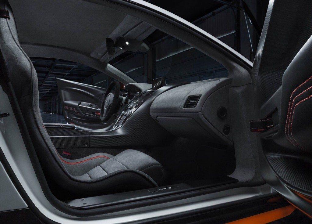 Aston-martin-vantage-gt3-5