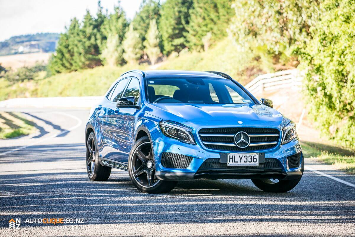 mercedes benz gla 250 road tested review large sports car or small suv drivelife drivelife. Black Bedroom Furniture Sets. Home Design Ideas