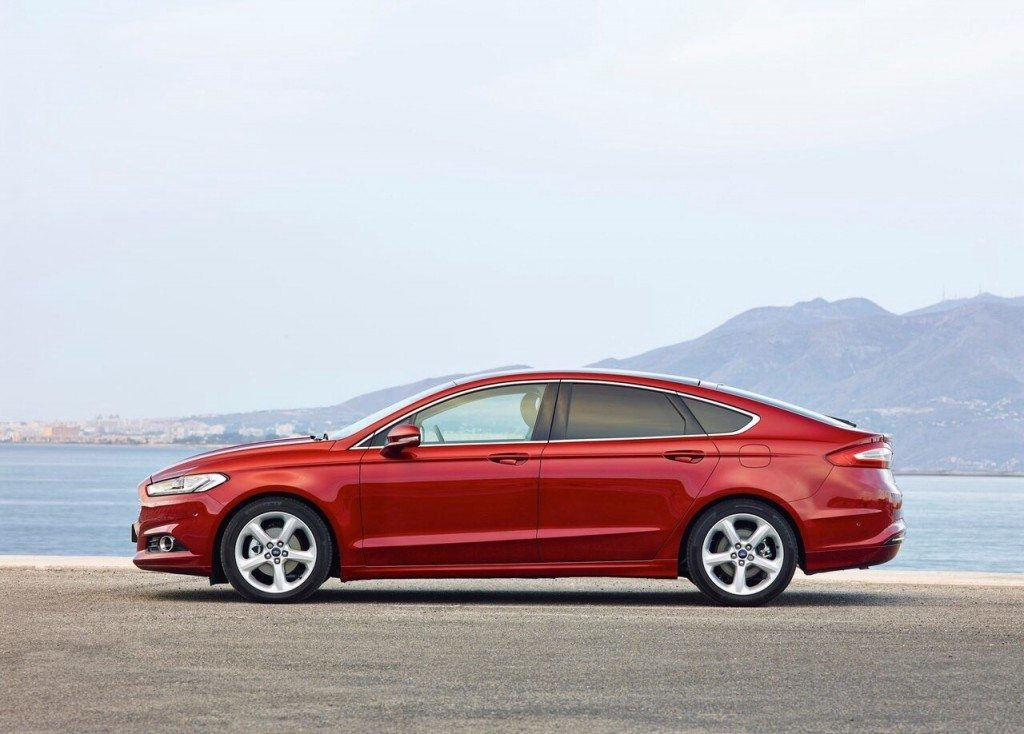 2015-ford-mondeo-hatch-3