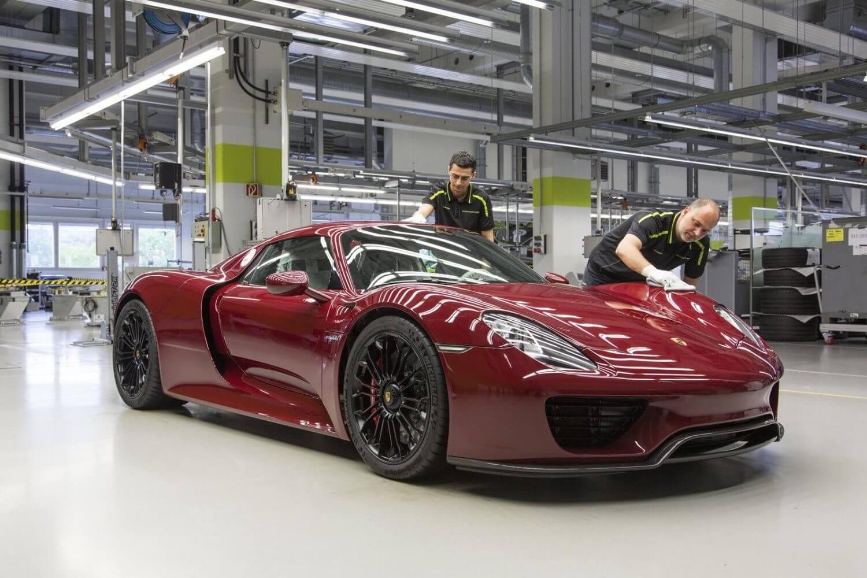 2015-Porsche-918-Spyder