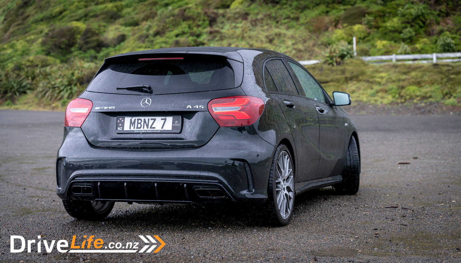 car-review-mercedesbenz-a45-amg-12