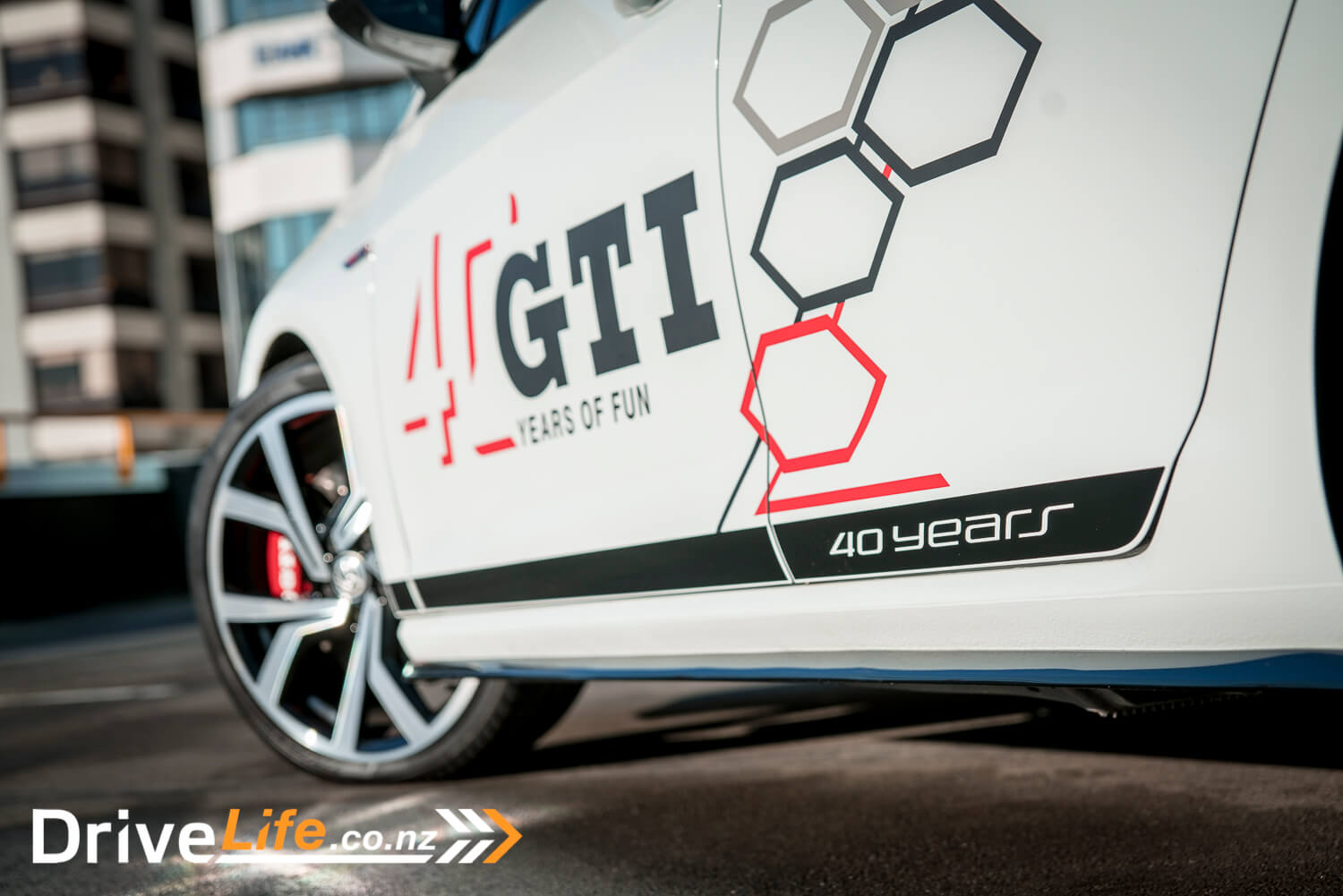 car-review-volkswagen-golf-gti-40th-edition-19