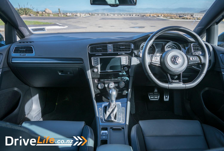 Car-Review-Volkswagen-VW-Golf-R-Wagon-Wolfsburg-Edition-10