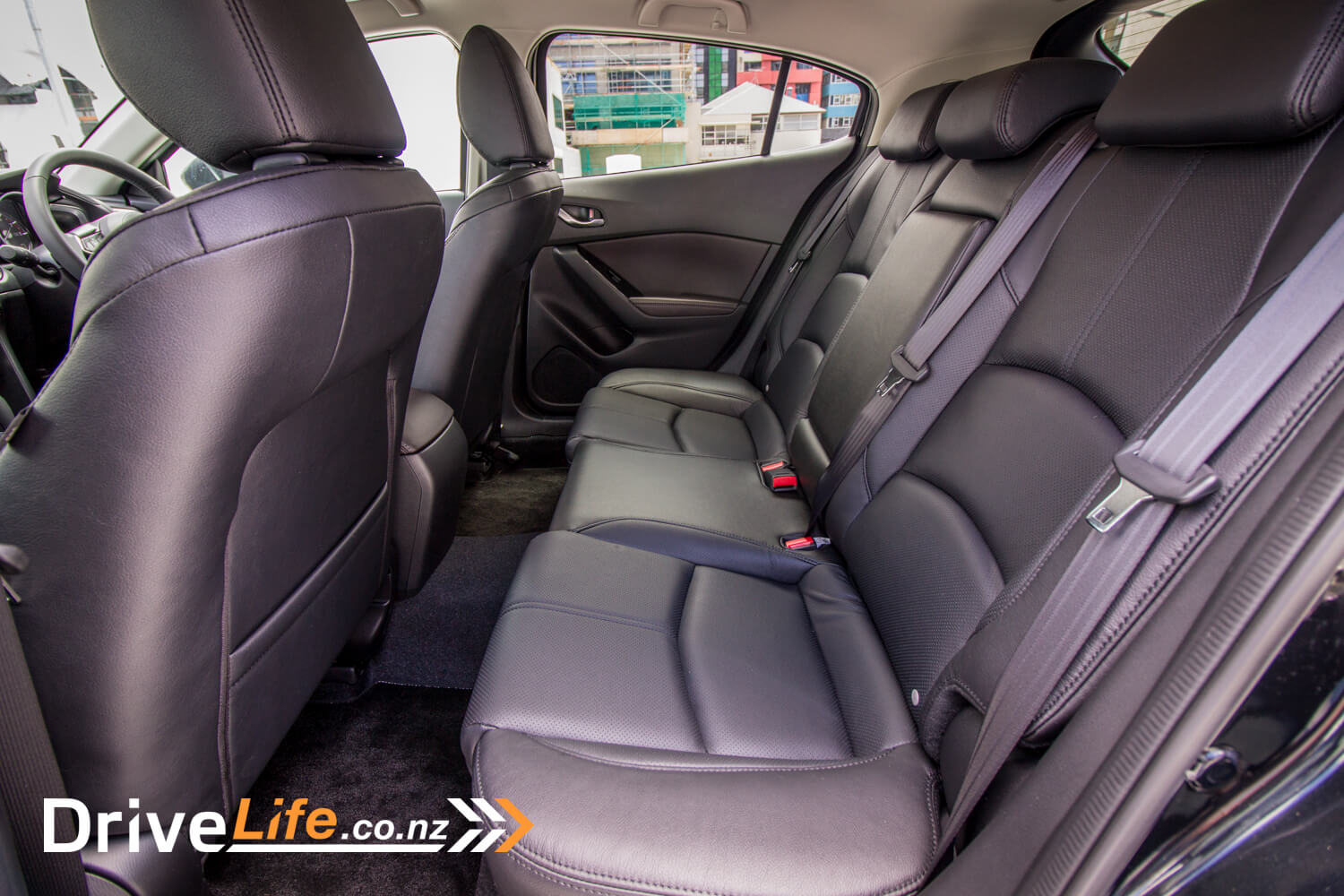 drive-life-2016-mazda3-sp25-limited-12