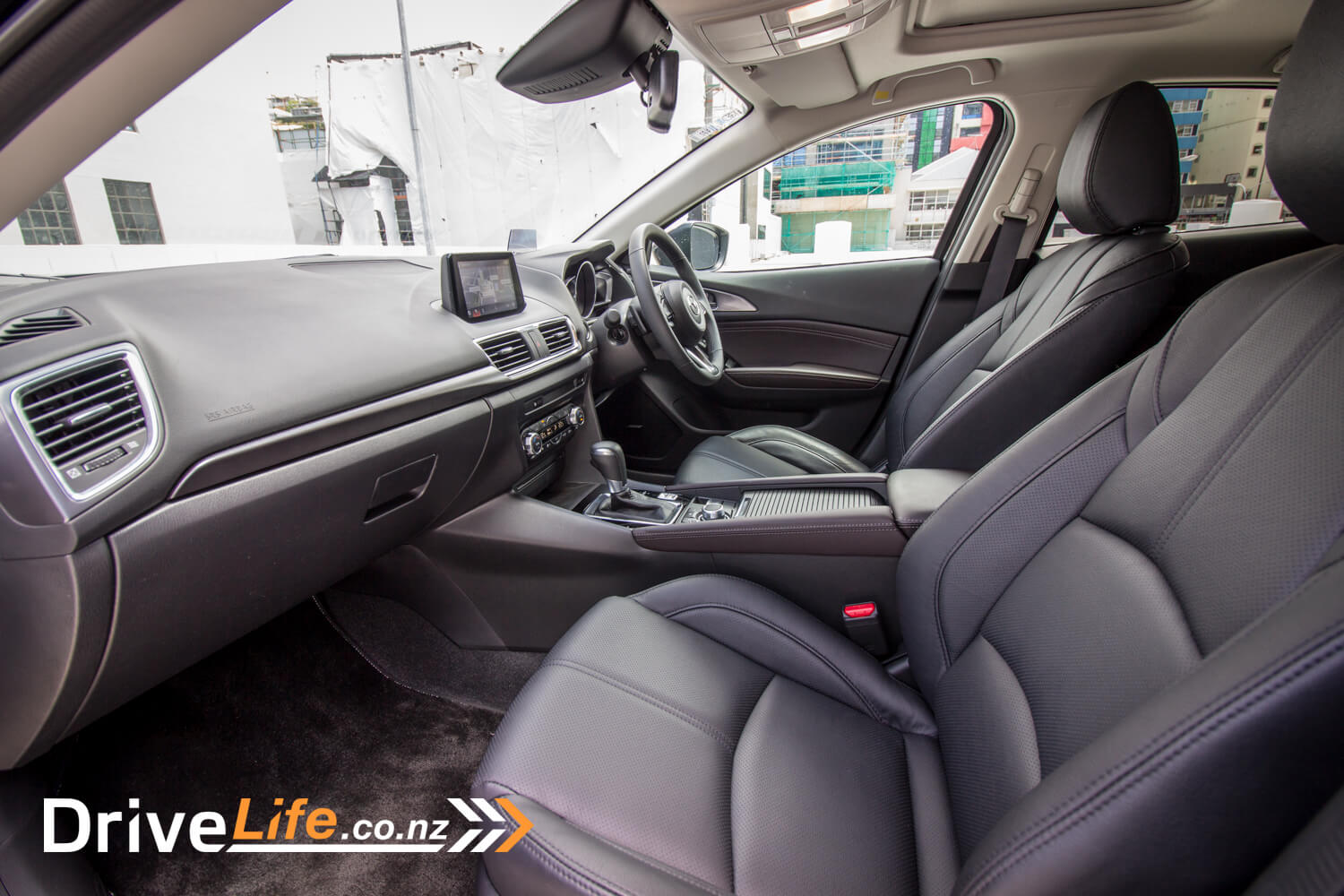 drive-life-2016-mazda3-sp25-limited-13
