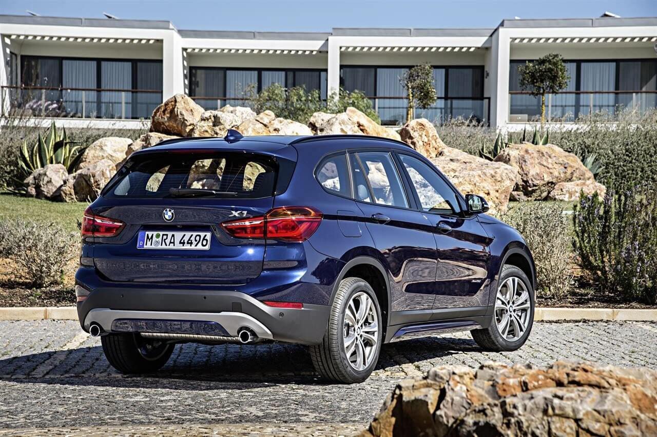 2016-BMW-X1-Rear
