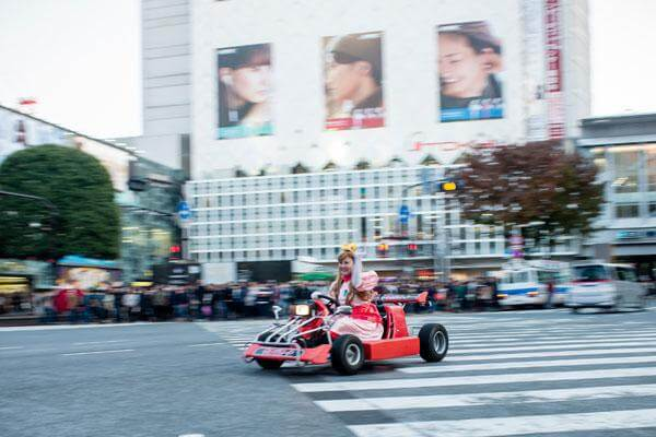 real-life-mario-kart-takes-over-the-streets-of-tokyo-12