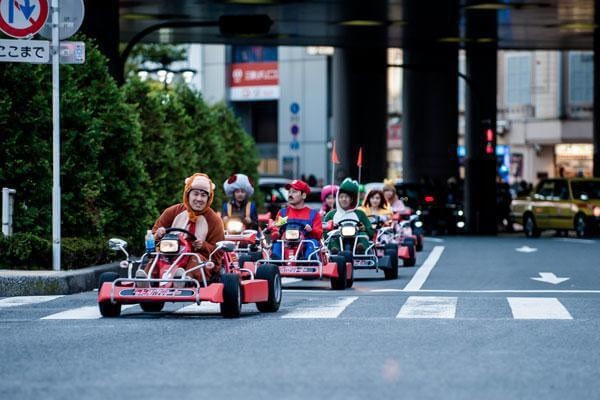 real-life-mario-kart-takes-over-the-streets-of-tokyo-15