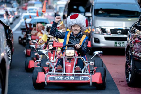 real-life-mario-kart-takes-over-the-streets-of-tokyo-16