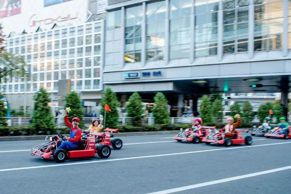 real-life-mario-kart-takes-over-the-streets-of-tokyo-17