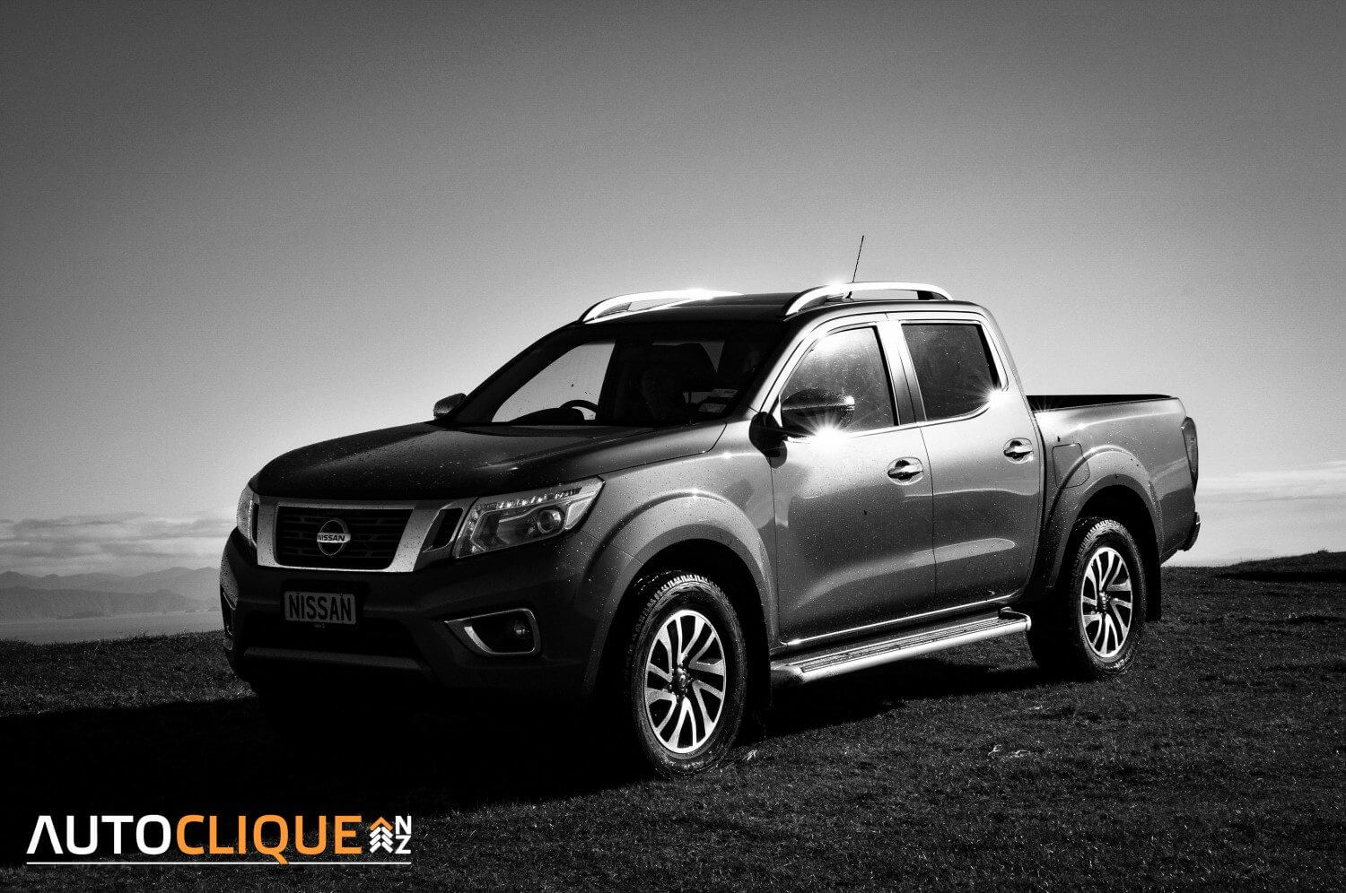 dealer launch nissan navara np300 st x 4x4 auto drivelife drivelife. Black Bedroom Furniture Sets. Home Design Ideas