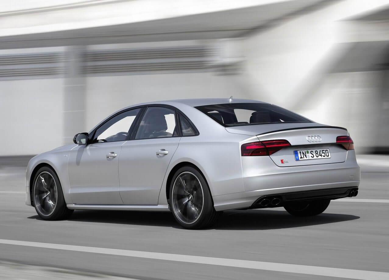 Audi-S8-plus-3