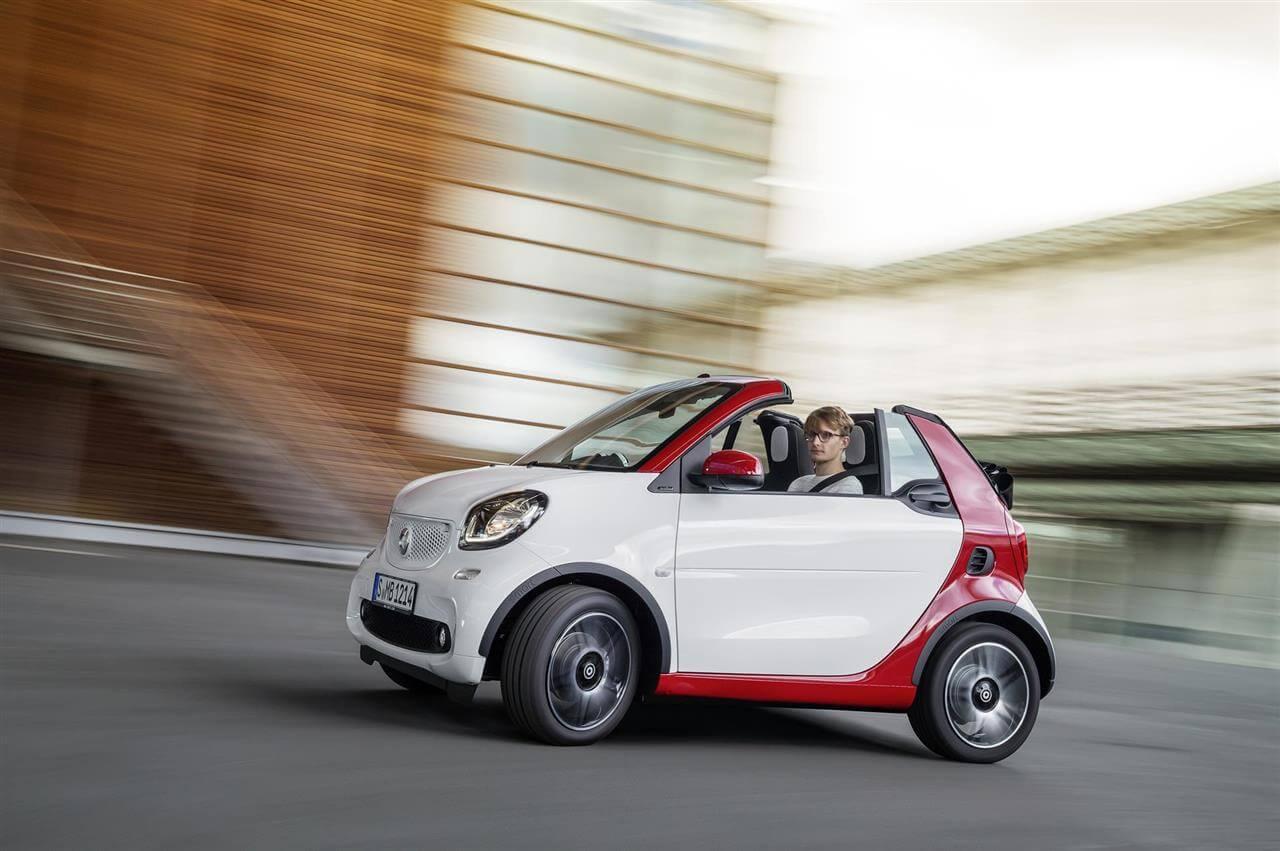 2016-smart-fortwo-Cabrio-1