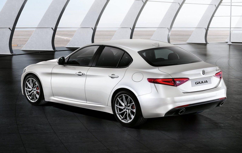 2016-Geneva-Alfa-Romeo-Giulia-2