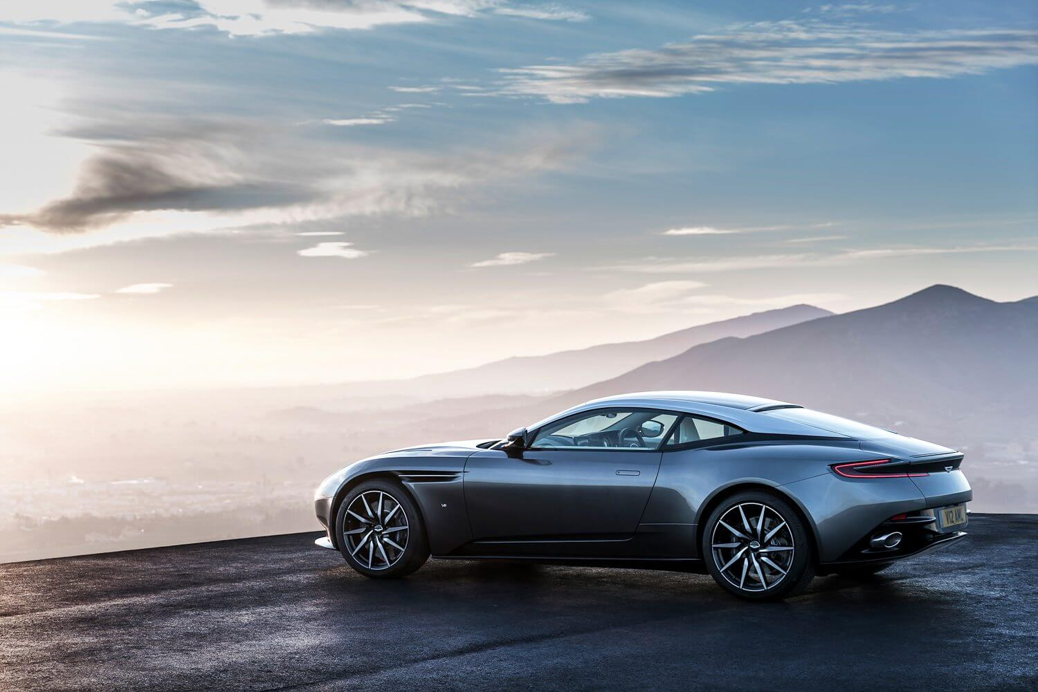 Aston Martin DB11 (6 of 44)