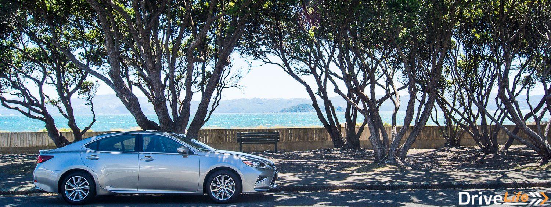Lexus ES 300h (6 of 37)