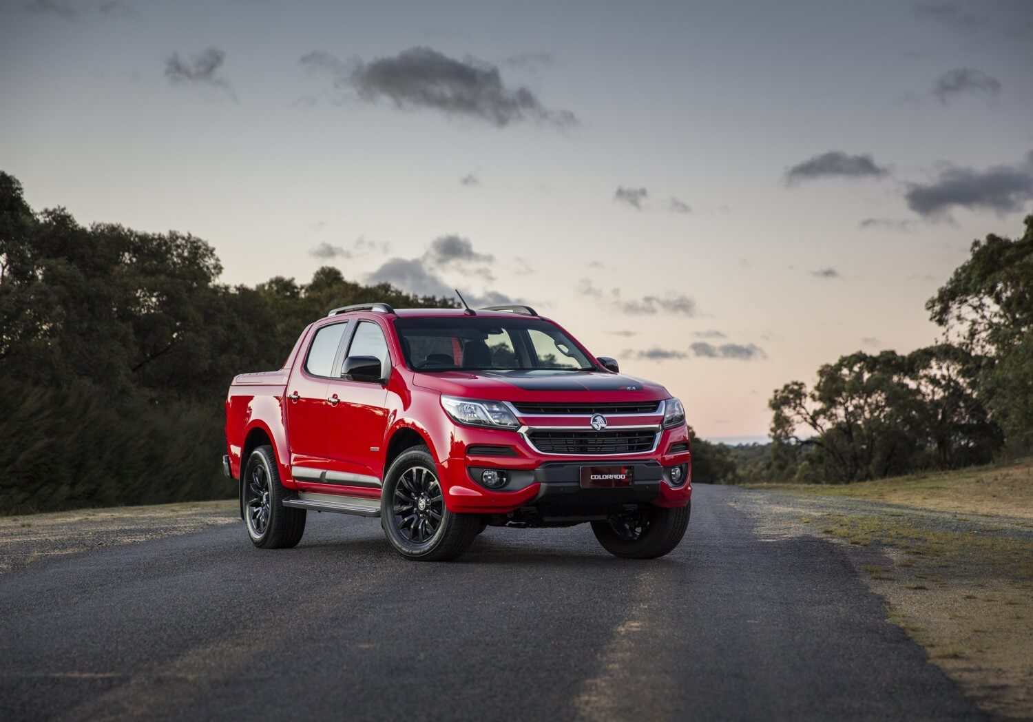holden-unveils-new-high-tech-2017-colorado-02
